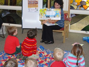 Sharing books - Child | Playgroup WA
